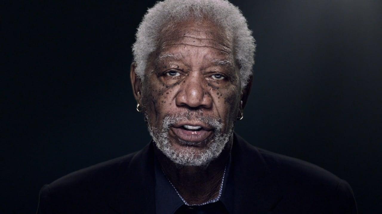 Morgan Freeman citește comentariul de pe Facebook al unei ...